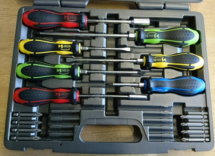 MATCH 15PC SCREWDRIVER & BIT SET**